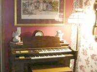 This is an older organ, but in great condition. Just