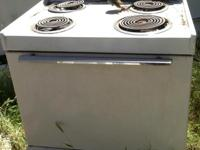 Hotpoint Electric Stove / Oven white and black in