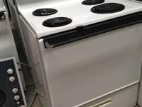 FANTASTIC CONDITION ELECTRIC STOVE/OVEN FROM FLAGSTAFF