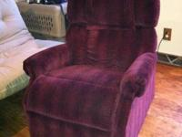 Electric lift chair - see pics for details - remote