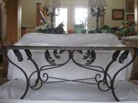 _LARGE ELEGANT COCKTAIL TABLE...... DESIGNER GLASS AND