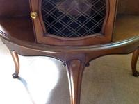 Elegant Vintage Solid Mahogany Table 4 Wire Screen