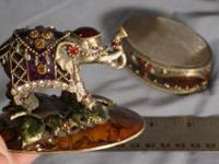 "Elephant jewel trinket box, Approx size 3"" across. See"