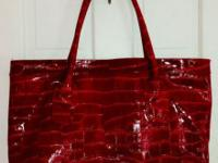 Elizabeth Arden Addition Large Tote Colour is Cherry
