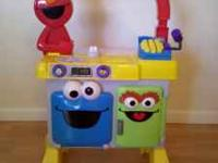 Great Condition Fisher-Price Elmo's Restaurant Makes