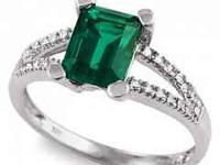 STUNNING Emerald & Diamond ring from Riddles size 7,