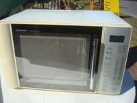 Nice Microwave Oven by Emerson Control touch buttons