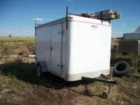 2006 6X10 Enclosed trailer new tires has built in