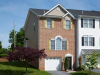 End Unit Townhouse with Great Location in Taylor