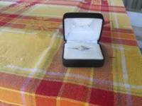 Selling a beautiful engagement ring bought from Kays ,