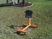 Engine stand used once Very good condition Call me @