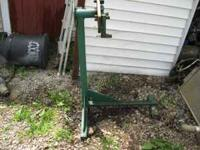 heavy built engine stand 50.00 call or text 1-