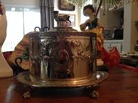 Sweet English silver plate biscuit barrel/Circa 1900.