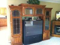 Oak Entertainment cabinet, Cabinet is well built with