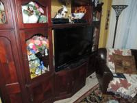 Entertainment Center Beautiful wood, excellent