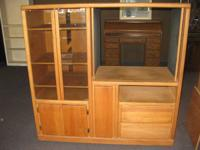 CABINET HAS 2 GLASS DOORS TO LEFT SIDE WITH 3 SHELVES