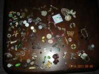 Several peices of vintage Jewelry. Asking 25.00 for