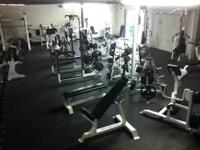 Entire gym closed, everything must go! Before landlord