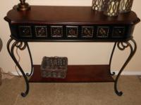 Like new entry or accent table. Also has coordinating