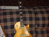 MINT CONDITION Epiphone 1956 reissue gold top Les Paul.