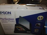 New Epson Perfection V200 COLOR PHOTO Scanner/in box