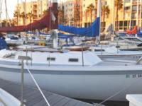 ERICSON 29' SAILBOAT 1972 This graceful ERICSON 29' is