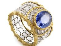 This fantastic band ring from Buccellati has an air of