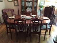 For sale: antique dining room set - table, 6 chairs,