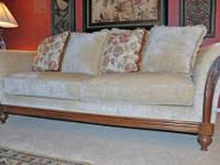 LIKE NEW gorgeous Ethan Allen couch! No stains, tears,