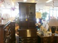 Ethan Allen workdesk with glass hutch top. decrease