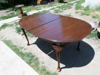 ETHAN ALLEN (tagged underneath) Mahogany Oval Table w/