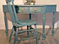 This solid wood corner Ethan Allen desk has a beautiful