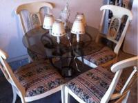 Ethan Allen Dining Room Table Set with 4 Chairs. The