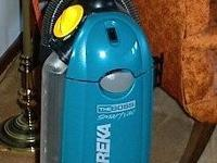 For Sale : EUREKA upright vacuum cleaner -. 12 AMPS -