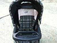 Slightly used stroller in very good shape. Blue with