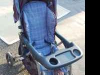 single stroller made by Evenflo. Good condition. $10