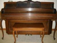 Excellent condition. Everett full-size console piano.