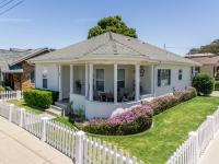 Desirable Monterey neighborhood, blocks to beach,