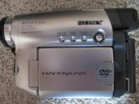 Excellent condition Sony Handycam DCR-DVD201 Camcorder