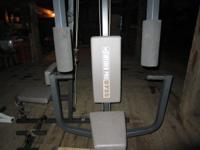 Unit is a weider pro 9735,3 station everthing a person