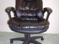 Nice, professional looking and very comfortable swivel