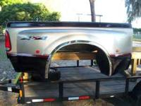 NICE DUALLY BED SHORT WHEEL BASE COMPLETE W/GATE and