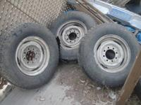 FORD F250 2 ORIGINAL WHEELS WITH 4 HUBCUPS $20.00DLLS (