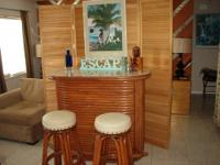 Fabulous Vintage Retro Rattan Bar and 2 Stools -