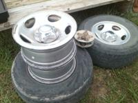 1997 ford f150 factory aluminum 16 in rims and center