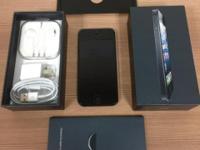 Black iPhone 5 32 GB (GSM) UNLOCKED. Phone LOOKS LIKE