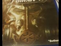 Fallout 4 for the ps4 like new no scratches perfect