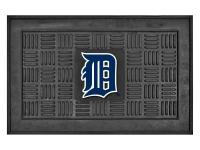 Add some team spirit to your entranceway with the