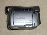 Canon ZR-200 Digital Video Mini DV Camcordar Silver