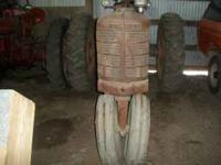 1950 Farmall H. Good original condition, good rubber,